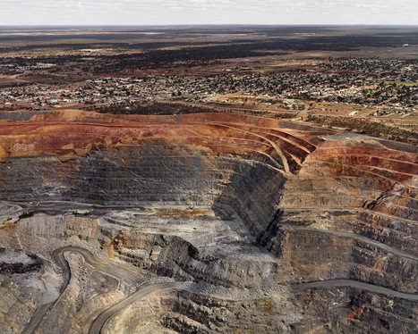 Edward Burtynsky's extraordinary images of manufactured landscapes | TED Blog | Geekeries & photography | Scoop.it