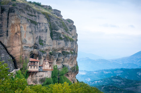 A #Monastery Hewn Into the Side of a Cliff in #Meteora, #Thessaly, #Greece | travelling 2 Greece | Scoop.it