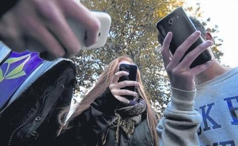 Los móviles en las aulas dividen a la comunidad escolar | InEdu | Scoop.it