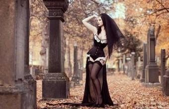 Graveyard Siren | Angie's Diary | Rambling | Scoop.it