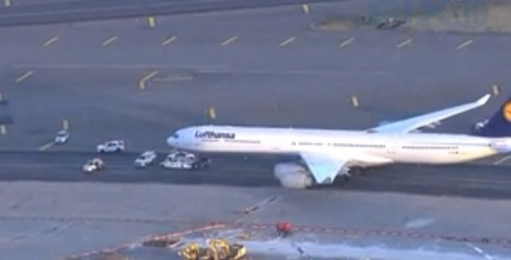 BREAKING Lufthansa A340 and United B777 clip wings at Newark Airport | AIRLIVE.net | Aviation & Airliners | Scoop.it