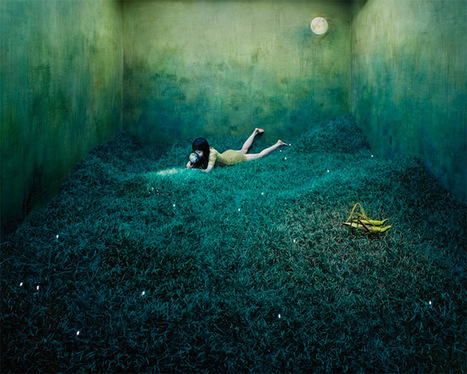 Artist JeeYoung Lee Converts Her Tiny Studio Into Absurdly Elaborate Non-Digital Dreamscapes | Organic Pathos | Scoop.it