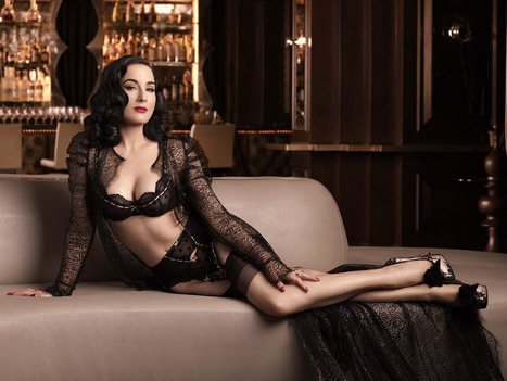 And a bit of burlesque class and style with Dita Von Teese as I...   Busty Boobs Babes   Scoop.it