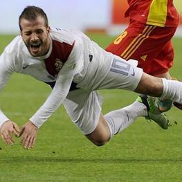 Injured Van der Vaart out of Brazil 2014 - Eurosport.com AU | World Cup 2014 | Scoop.it