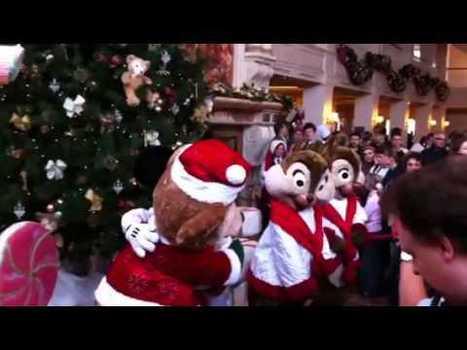 Inauguration de la maison de pain d'epices au Disneyland Ho   Disneyland Paris   Scoop.it