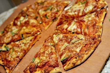 Woman Has Eaten Nothing but Pizza for the Last 31 Years | Strange days indeed... | Scoop.it