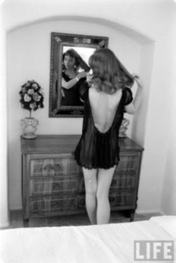 "Vikki ""The Back"" Dougan (4 Photos) | Sex History | Scoop.it"