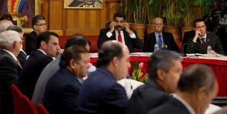 Venezuela : dialogue inédit entre Maduro et l'opposition   Amérique Latine : entre croissance et territoires en marge, une zone au développement inégal.   Scoop.it
