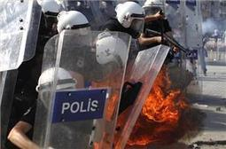 Turkish police storm Taksim Square | Human Rights and the Will to be free | Scoop.it
