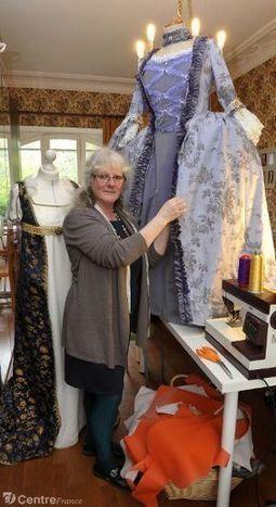 Sylvie Michel-Dange, installée à Rilhac-Lastours, crée notamment des robes et costumes d'antan   Actualités du tourisme, personnes ressources en Châtaigneraie Limousine ... et chez nos voisins   Scoop.it