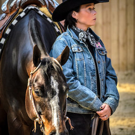 Waiting... By Henrik Sewell   Horse and Rider Awareness   Scoop.it