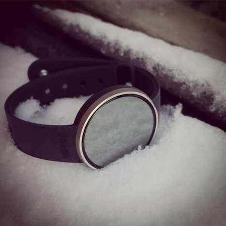 Our new activity tracker #edge is waterproof 50m and also snowproof!! #happynewYear | ABOUT IHEALTH | Scoop.it