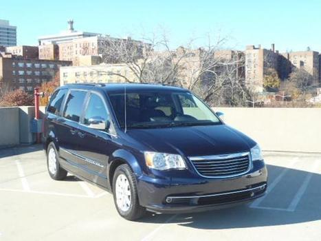 Used 2011 Chrysler Town & Country 4dr Wgn Touring-L For Sale - U9229 | White Plains NY | Serving Larchmont, Bronx, Yonkers | Automotive | Scoop.it