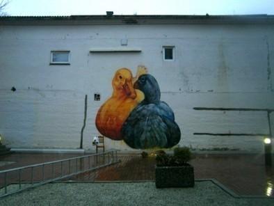 Revue de murs : l'année 2011 de Gaia, petit génie du street art - Rue89   Le Corbusier   Scoop.it