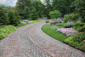 6 Driveway Looks Take Landscapes Along for the Ride | Garden Grunt | Scoop.it