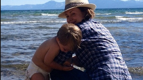 Alyssa Milano Enjoys Quality Beach Time With Little Milo - 9Hill | Celebrity News | Scoop.it
