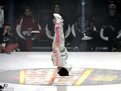 Video! Pint-Sized Break Dancer Wows in French Competition | professional dancer | Scoop.it
