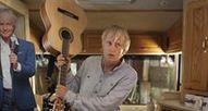 """""""Une chanson pour ma mère"""" : quand Dave fait de la promo virale... [VIDEO]   Le cinéma, d'où qu'il soit.   Scoop.it"""