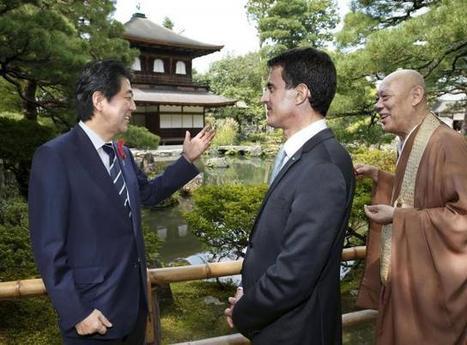 Japon. Valls s'affiche avec Macron et deux robots humanoïdes | Geeks | Scoop.it