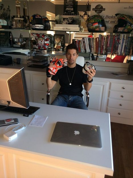 Autographed Nicky Hayden Race Worn Dainese Gloves And Knee Sliders For Charity | Ductalk Ducati News | Scoop.it