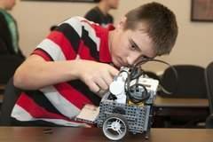 KCC launches Bruin Bots robotics club | STEM Studies | Scoop.it