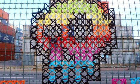 Des amateurs de street art s'inspirent de la broderie pour enjoliver le paysage urbain   Art, mode et ethique   Scoop.it