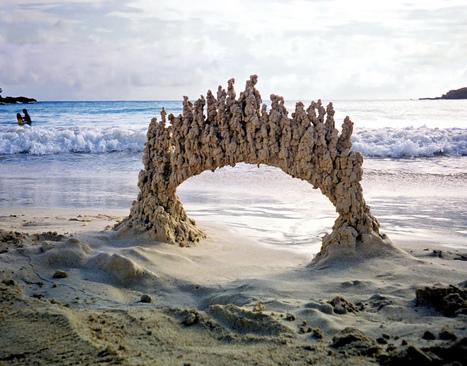 Peculiar Abstract Sandcastles by 'Sandcastle Matt' #art #sandart #landart #sculpture #abstarct #sand | Luby Art | Scoop.it