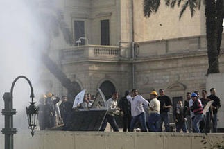 Egypt clashes kill 10, undermine Army narrative of democratic transition | Coveting Freedom | Scoop.it