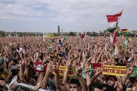 Une foule gigantesque célèbre l'identité ottomane d'Istanbul | Europe | diversité | Scoop.it