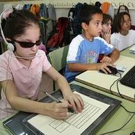 Más de 7.600 alumnos con ceguera y discapacidad visual grave ... - ABC.es | Comunicación | Scoop.it