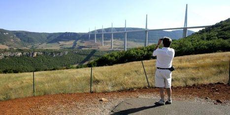 En dix ans, le Viaduc de Millau s'est fondu dans le paysage   L'info tourisme en Aveyron   Scoop.it