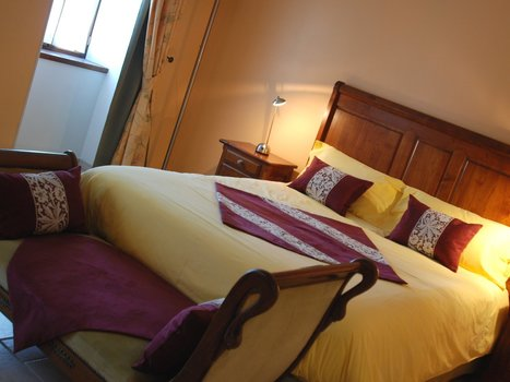 Luxury suite for a romantic gateway in the vineyards of Cognac, Charente   Charming guest mansion in Charente   Scoop.it