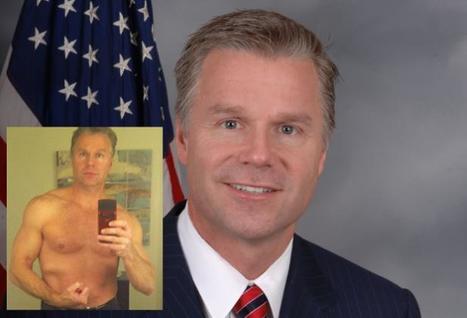 Etats-Unis: Un Républicain marié démissionne après avoir envoyé sa photo torse-nu sur un site de rencontres   Mais n'importe quoi !   Scoop.it