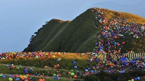 Une montagne chinoise aux couleurs du camping | Géopolitique & mobilités, The topic | Scoop.it
