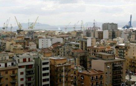 Un employé sicilien payé pour déblayer la neige en été | Mais n'importe quoi ! | Scoop.it