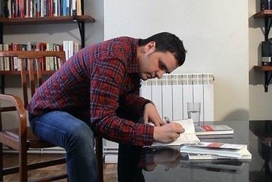 Kirmen Uribe Urbieta - Conocer al Autor   Kirmen Uribe   Scoop.it