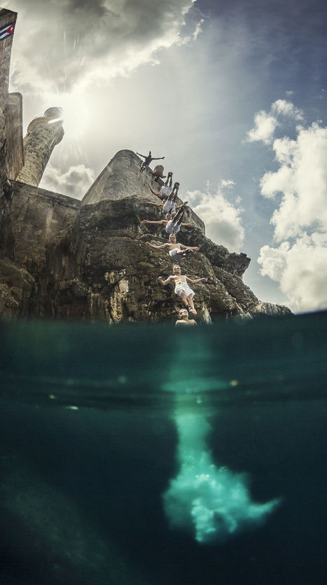 Orlando Duque Jumps Off Cliff in La Habana, | My Photo | Scoop.it