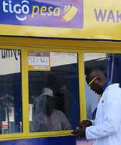 Why this Tanzanian mobile operator shares 'profits' with its customers@Offshore stockbrokers   Africa : Commodity Bridgehead to Asia   Scoop.it