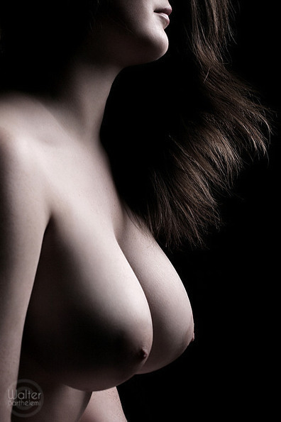 By Walter Barthélemi. | Busty Boobs Babes | Scoop.it