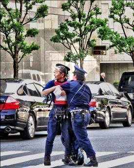 Japon: Quand la police joue les services d'ordre de TEPCO | Citizen-Side.com | Japon : séisme, tsunami & conséquences | Scoop.it