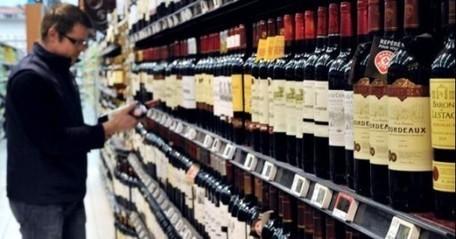 Quand le lobby viticole s'active contre la taxe sur le vin - Public Sénat | Hygiène et sécurité alimentaire | Scoop.it