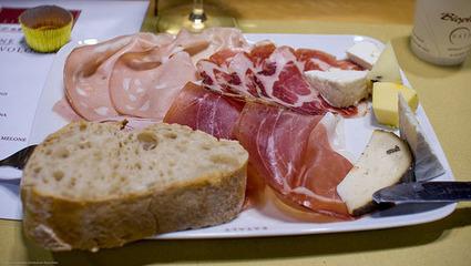 Crisi: gli italiani comprano meno ma scelgono cibo biologico e a Km zero | Comunikafood - marketing food 2.0 | Scoop.it