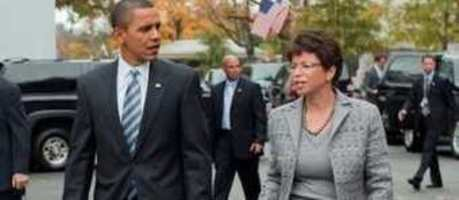 Girly-man - America's real president wears a skirt [spanks] [jarrett is a radical jihadist]