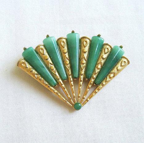 Vintage Jade Green Glass Fan Brooch or Pin   Favorite Vintage Jewelry   Scoop.it