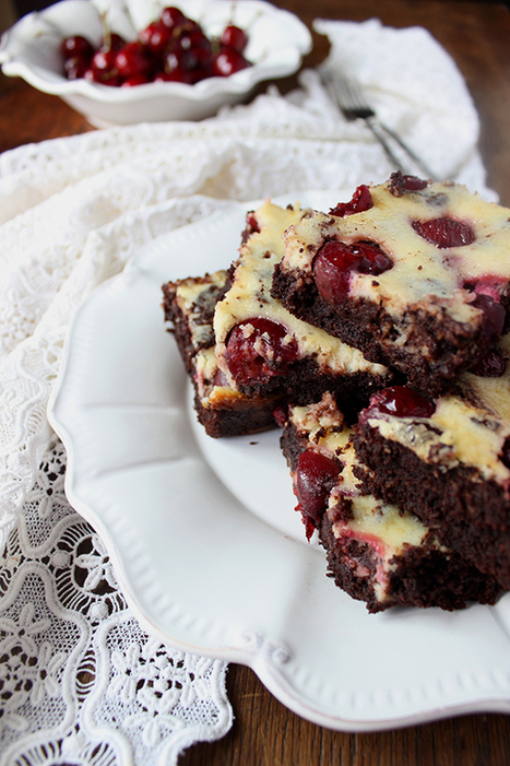 Brownie Cheesecake with Cherry / Cherry Cheesecake Brownies. #Cooking #Recipes | The Man With The Golden Tongs Hands Are In The Oven | Scoop.it