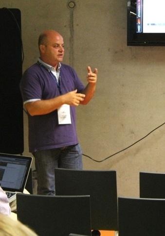 Sub-category 1: social Media questions - Teacher Event 1 - European Schoolnet | Curious Minds | Scoop.it