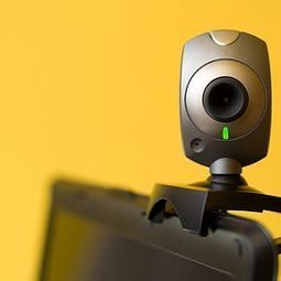 I Bet You Didn't Know Your Webcam Could Do This! 5 Tips To Help You Use Its Full Potential | MakeUseOf | Educational Technology in the Library | Scoop.it