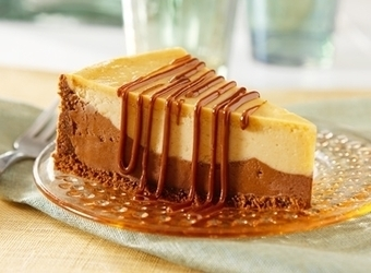 Chocolate & Peanut Butter Fudge Cheesecake | The Man With The Golden Tongs Hands Are In The Oven | Scoop.it