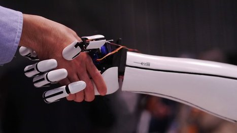 Sub $300 exiii handiii 3D Printed Open Source Bionic Hand is Controlled by a Smartphone | Managing Technology and Talent for Learning & Innovation | Scoop.it