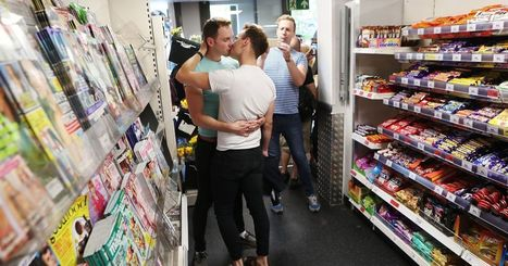 LGBTQ hold 'kiss-in' in a supermarket after a couple was ejected for holding hands | Gay Global (LGBT) | Scoop.it